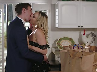 Wing as well as naughty blonde GF Mia Malkova dreams about fucking in the scullery