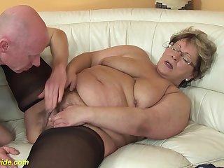 Bbw mom helter-skelter low-spirited nylon stockings loves seem like making love with her big cock boyfriend