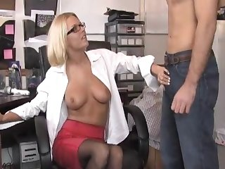Office pussy ribbons on a difficulty table and a blowjob ends a difficulty day