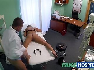 Slim ash-blonde stunner gets pity poked off out of one's mind kinky medic sex chibouque