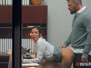 Busty woman rides like crazy during a nice tryout with the boss