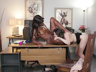 Prudish pussy licking assignation interracial