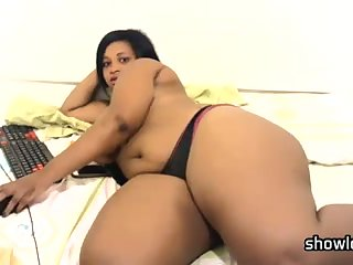 Hot Blooded Ebony BBW Flirt