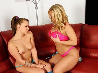 Blonde lesbians Austin Taylor with an increment of Tegan Summer eat out each other