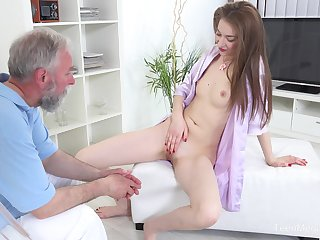 There's nothing better for Roxy C than fucking with an doyen chap